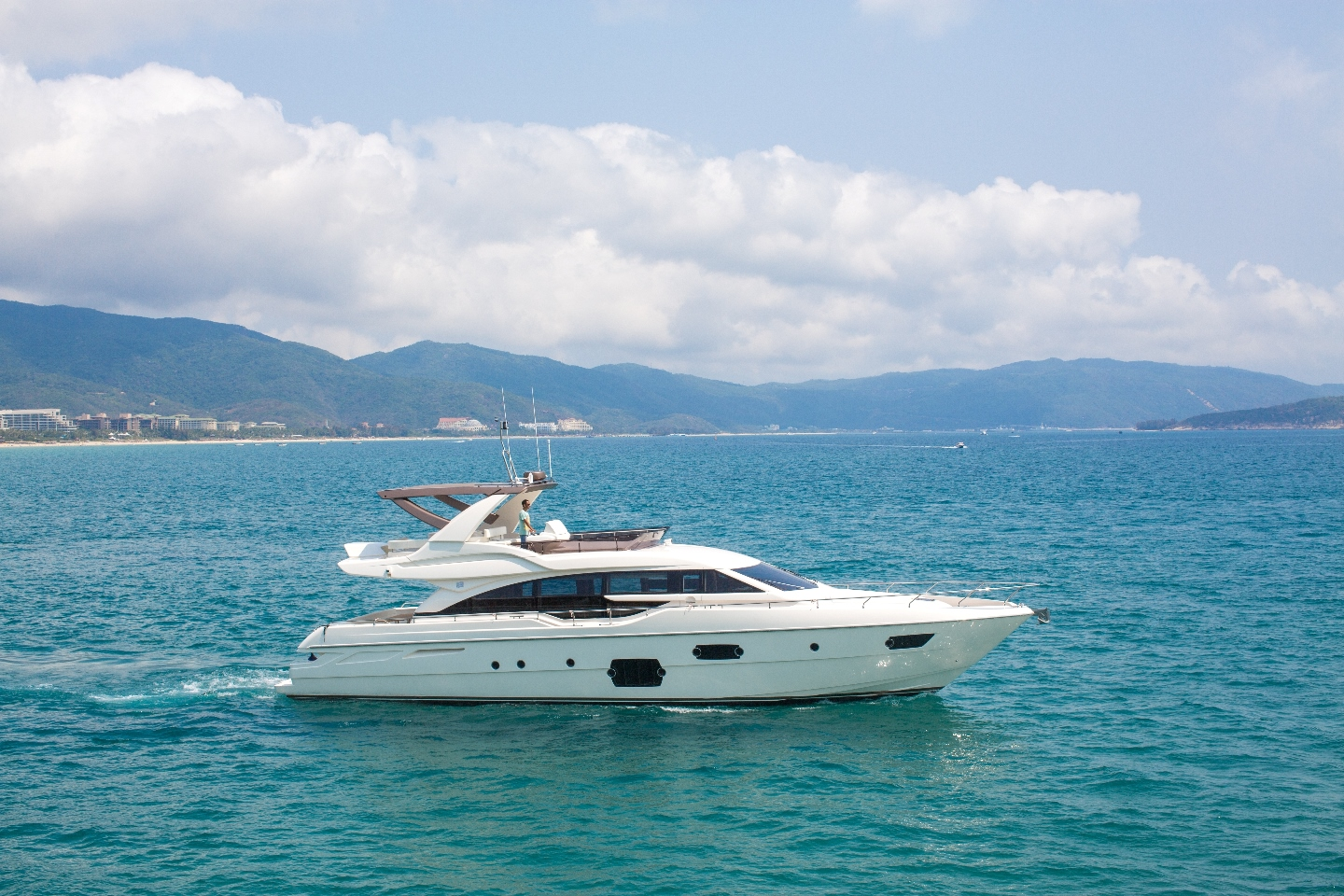 Azimut Yacht: Simpson Marine appointed as exclusive dealer for Beijing and Tianjin in renewed partnership agreement for Asia.