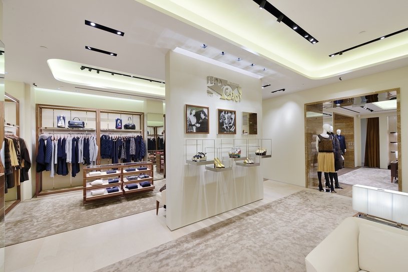 Luxury fashion and Silk in Moscow