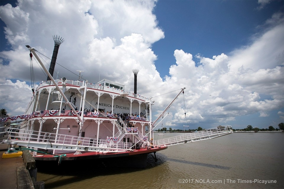 Enjoy 5-star Mississippi Cruise